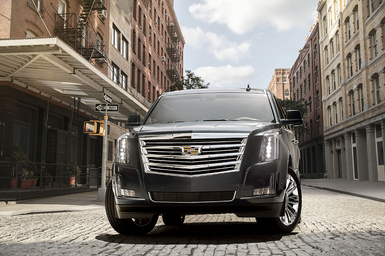 2018 Cadillac Escalade: New 10-Automatic, Big on Luxury